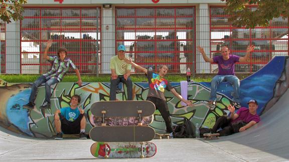 Street-Surfers 08/2010